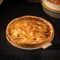 Pear and cinnamon pie